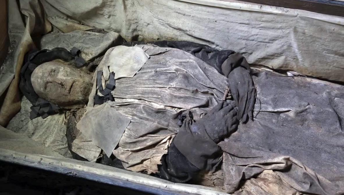 The mummified remains of the 17th-century bishop, Peder Winstrup.