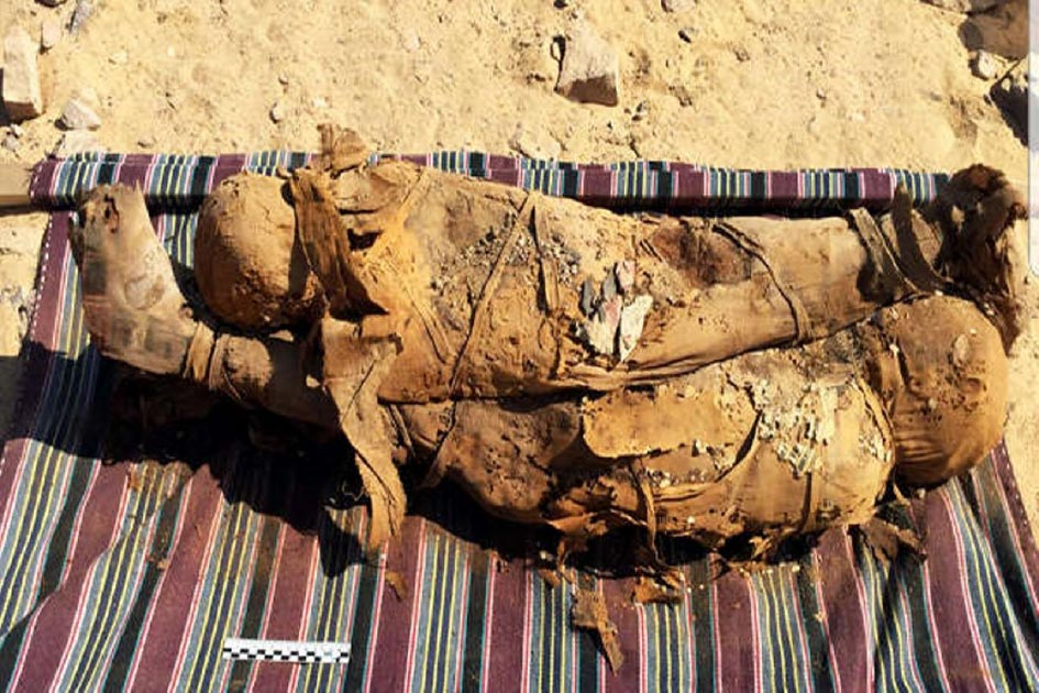 Mummy bones found in an Egyptian tomb in Aswan and Saqqara necropolis have been analyzed. Source: Ministry of Antiquities.