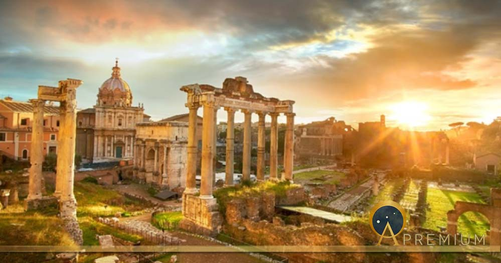 Roman Forum. Ruins of Roman Forum in Rome, Italy during sunrise. (twindesigner / Adobe Stock)