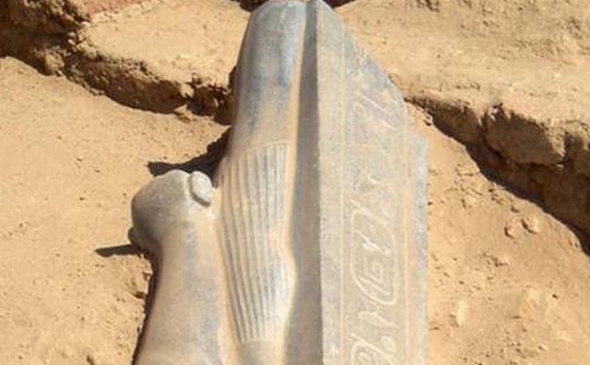 Pharaoh Taharqa statue sudan
