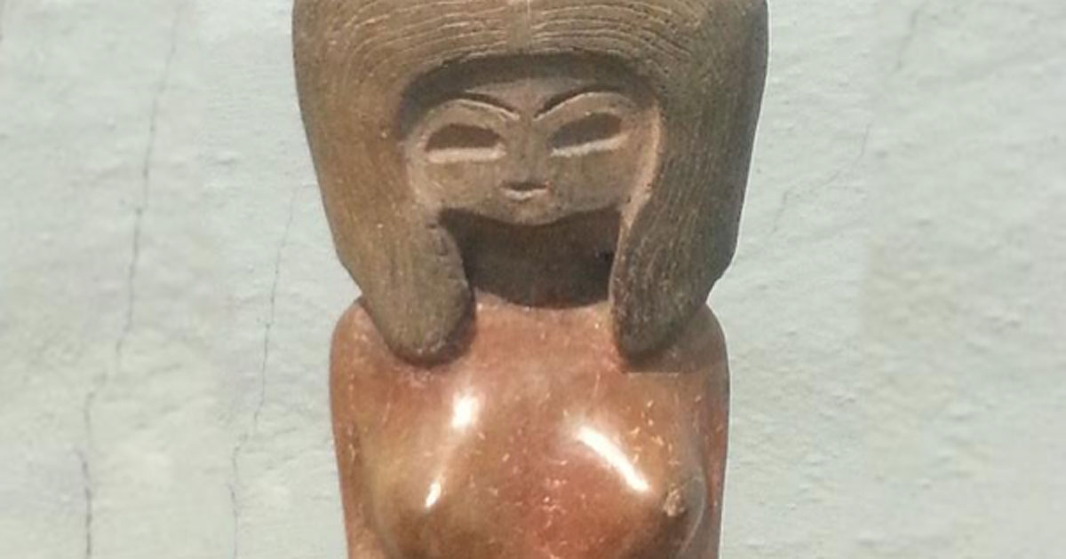 Example of a typical Valdivia ceramic figurine. (Alicia McDermott)