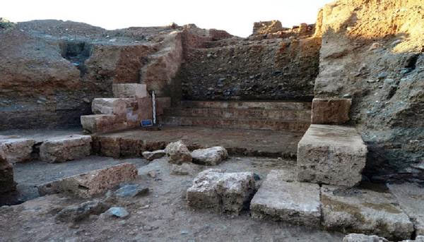 Newly discovered ancient tomb in Greece may belong to King ...