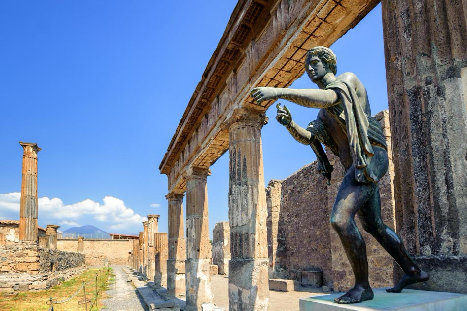 Evidence of a secret society lodge found in Pompeii. Here Apollo temple.        Source: Boris Stroujko / Adobe Stock
