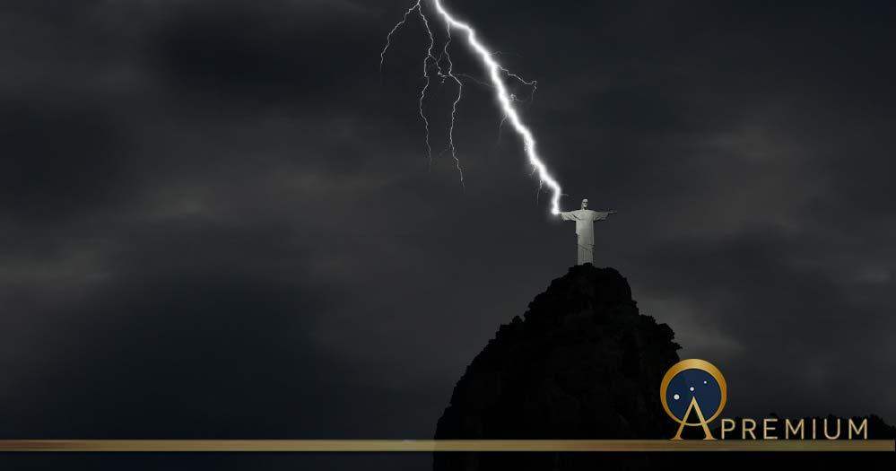Christ Statue Flash (Pixabay Free Use)