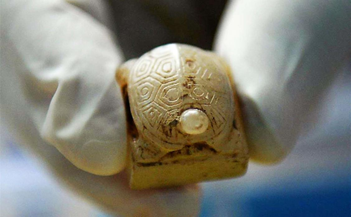 Remains of Disgraced Chinese Emperor Undergo DNA Analysis as more Treasures of His Tomb Are Revealed