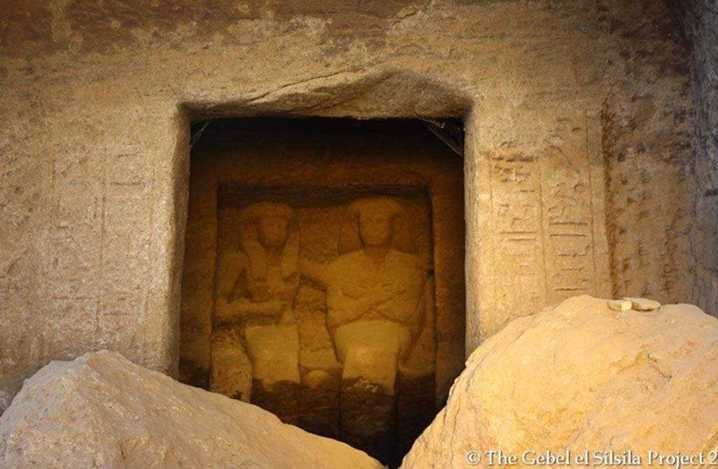 One of the two shrines with statues, this one showing a couple who are not identified by inscriptions at the site.