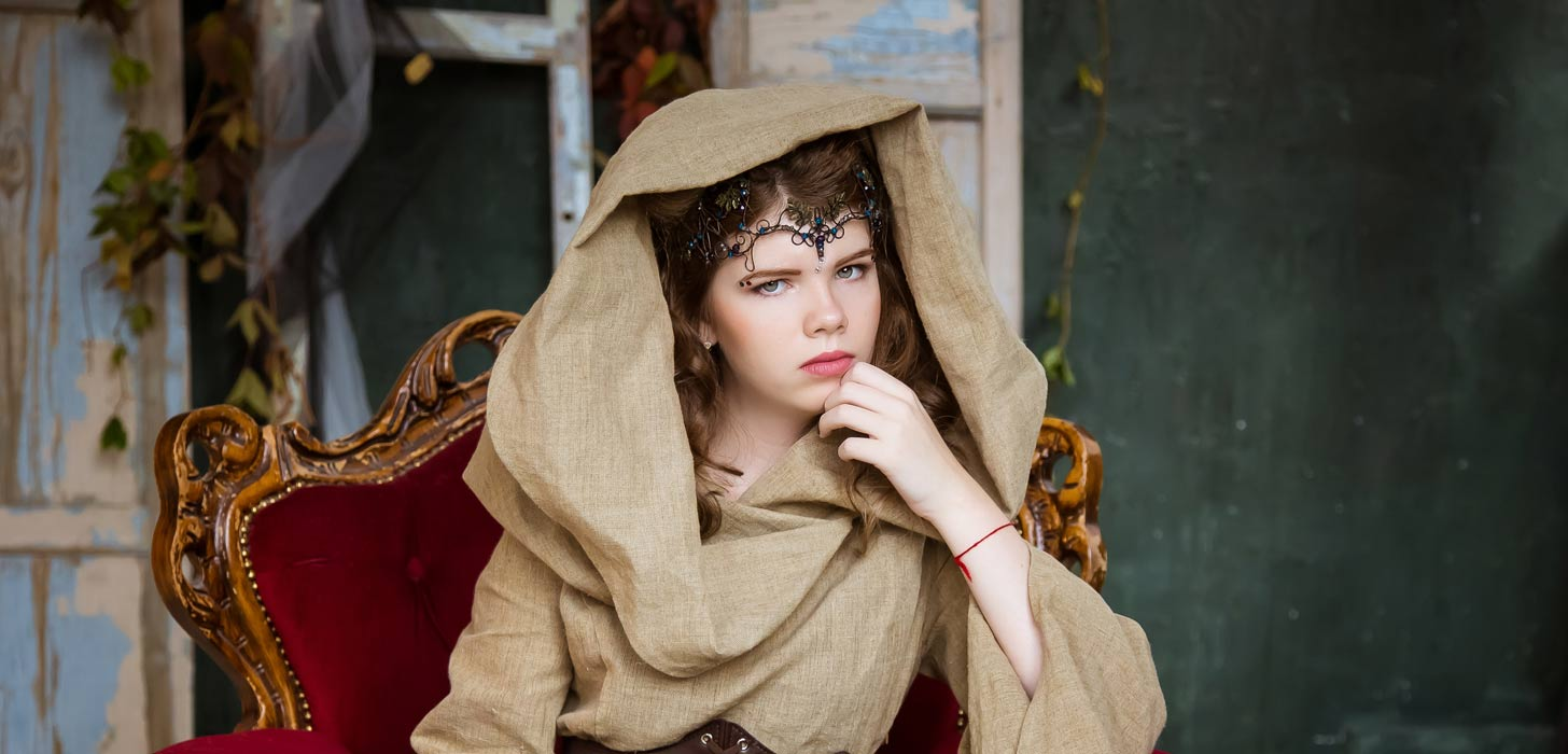 Representation of a seer or prophetess.