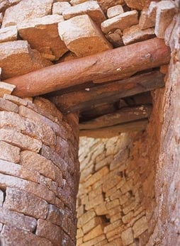 Great Zimbabwe, stone imitation of a wooden lintel