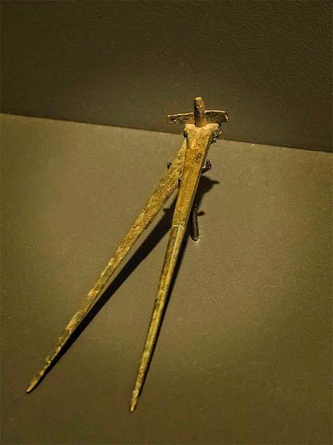 Roman engineer's bronze compass. (Mary Harrsch/CC BY NC SA 2.0)