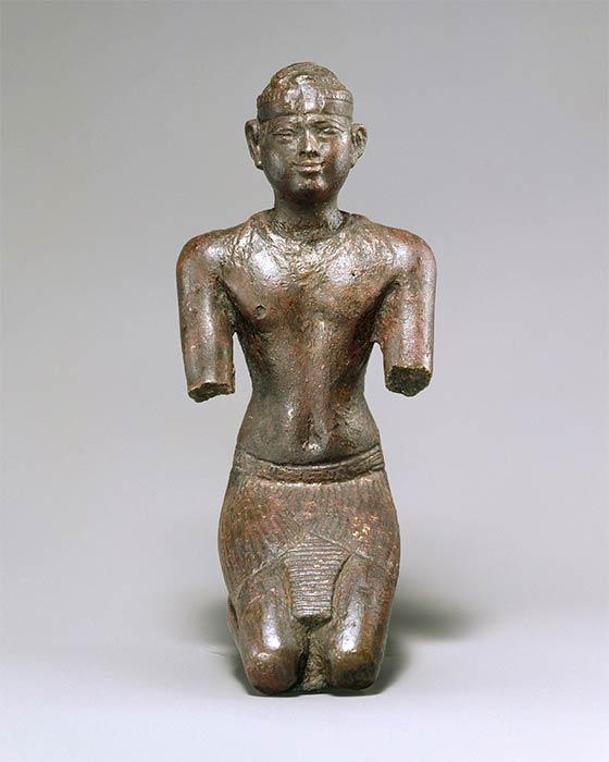 Ancient Egyptian statuette of a Kushite pharaoh; 713–664 BC; bronze, precious-metal leaf; Metropolitan Museum of Art (CC0)