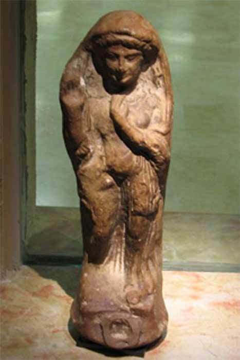 Asherah, Canaanites' goddess of motherhood and fertility. (Matanya / CC BY-SA 3.0 )