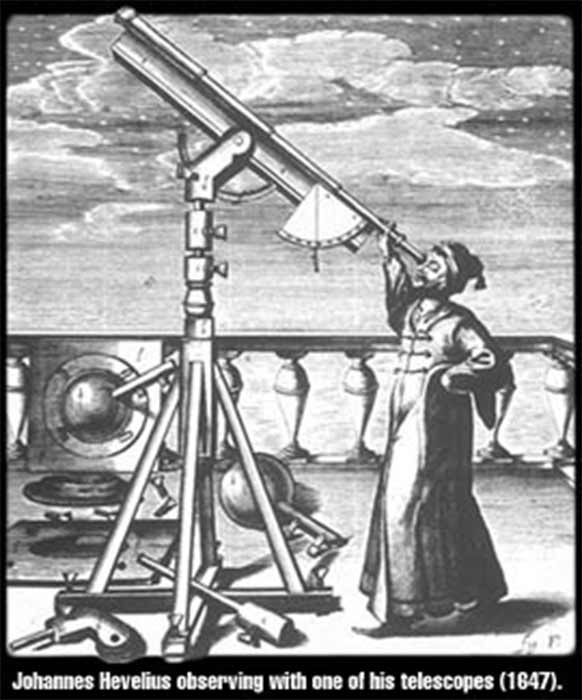 Johannes Hevelius observing with one of his telescopes (1674) (CC BY-SA 3.0)