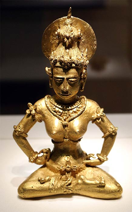 21-karat Majapahit period gold image discovered in Agusan, Philippines, copied Nganjuk bronze images of the early Majapahit period signifies the Majapahit cultural influence on southern Philippines. (Sailko / CC BY-SA 3.0)