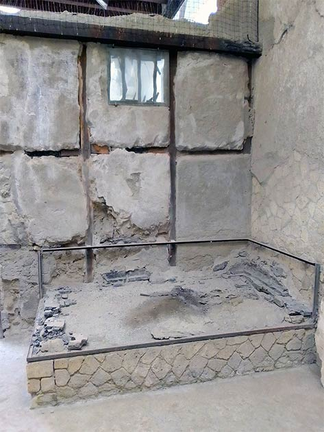 The room in which the man and his preserved brain were found. (Pier Paolo Petrone)