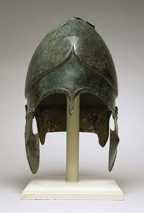 The bronze Chalcidian helmet a helmet was worn by ancient warriors of the Hellenic world, (fifth and fourth centuries BC). (Walters Art Museum/ CC BY-SA 3.0)