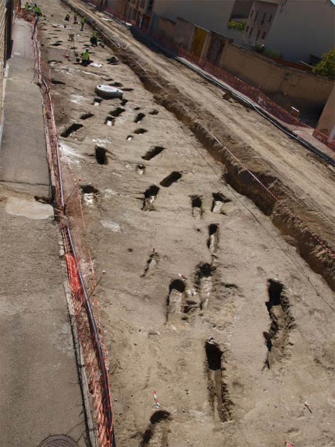 Workers discovered the ancient Muslim graves while widening a road in Tauste, a small town near Zaragoza in northeast Spain. (El Patiaz Asociacion Cultural)