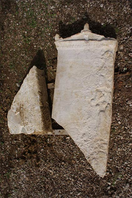 The archaeologists also uncovered a white marble funerary stele within the Elis necropolis. Hopefully they will be able to decipher its inscription. (Ephorate of Antiquities of Ilia / Greek Ministry of Culture and Sports)
