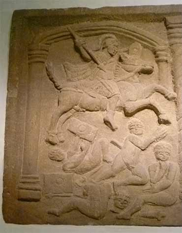 Roman cavalryman trampling conquered Picts. Discovered carved on a tablet found at Bo'ness (c.142 AD) National Museum of Scotland. (Kim Traynor/ CC BY-SA 3.0)