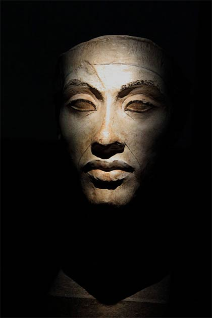 Could it be that Rosh Hashanah originated as a celebration of the coronation of Akhenaten? (HoremWeb / CC BY-SA 4.0)