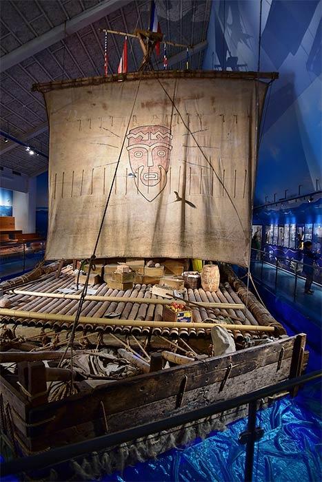 The Kon-Tiki in the Kon-Tiki Museum in Oslo, Norway (Bahnfrend -/CC BY-SA 4.0)