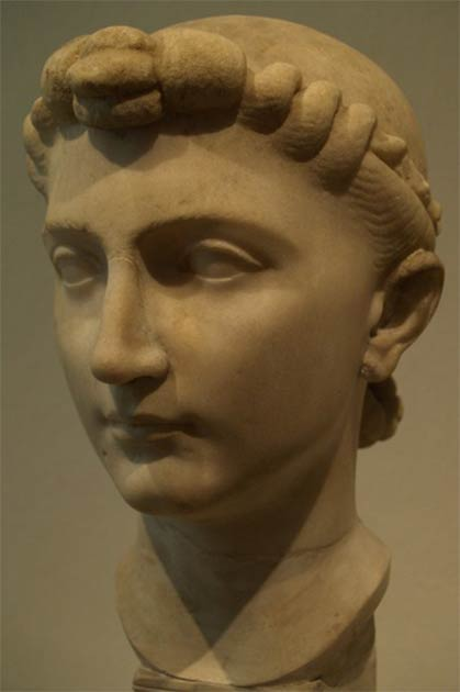 Bust believed to represent Emperor Augustus' daughter Julia. (Miguel Hermoso Cuesta/CC BY SA 4.0)