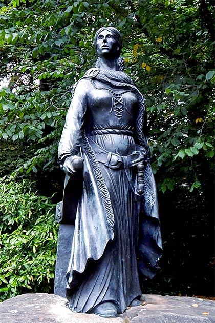"""Grace O'Malley was so successful that the Queen of England """"let her go."""" (Suzanne Mischyshyn / County Mayo - Westport House Grounds - Statue of Grace O'Malley)"""