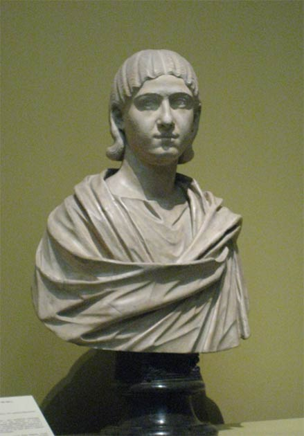 A bust of Julia Mamaea who bribed others to overthrow Elagabalus resulting in his execution and mutilation. This bust is in the Pushkin Museum (Russia) but was copied from a Roman original found in the British Museum collection. (shakko / CC BY 3.0)
