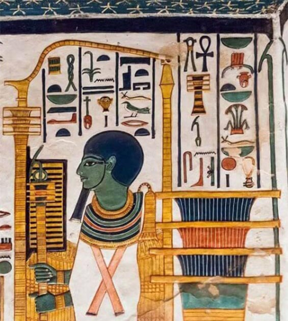 The god Ptah from Memphis preceded Osiris with the djed pillar in the Old Kingdom. But he merged with him, as here. He is painted green and mummified like Osiris, holding in his hands a combined djed pillar and 'was staff', symbolizing stability and clarity. Is 'clarity' comparable to tantric 'clear-sightedness'? (Tomb of Queen Nefertari, c. 1250 BC, 19th Dynasty (New Kingdom) / Egypt Museum / Provided by the author)