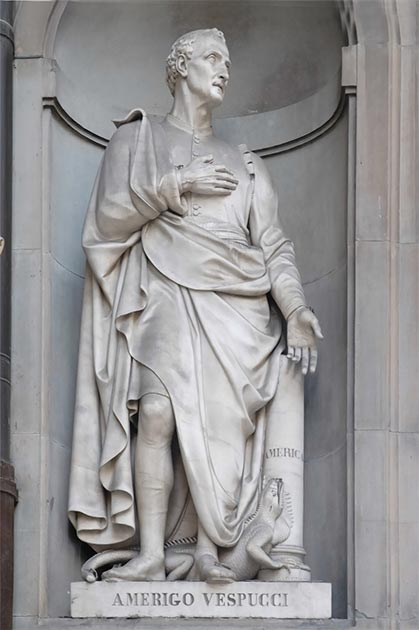 A statue of Amerigo Vespucci to recognize his achievements and life, Uffizi Museum, Florence. (NICOLAS LARENTO / Adobe stock)