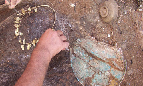 Archaeologists discovered jewellery, pottery and many other artifacts