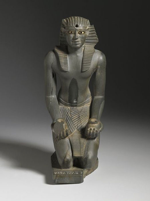 Kneeling statue of Pharaoh Pepi I. (Brooklyn Museum)
