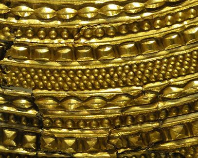 Mold Gold Cape Detail