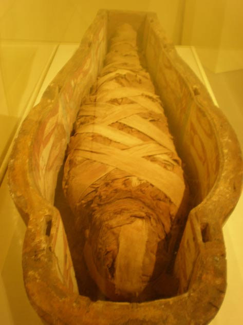 Another mummy held in California, at Stanford University, is of the Chantress of Amun. Like Hatason, it is of the era around the 21st Dynasty.