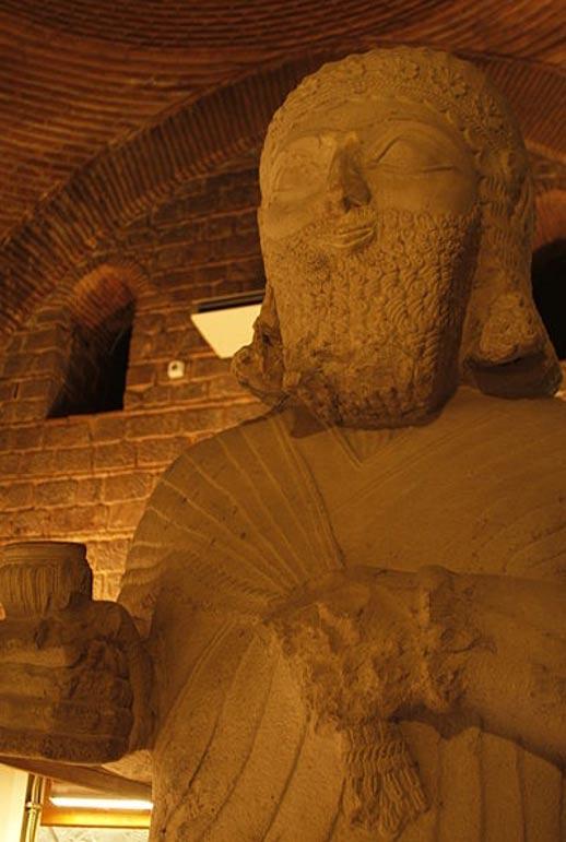 Estatua de la neo-hitita Rey Tarhunza (Aslantepe)