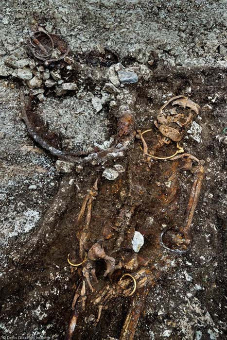 The recent analysis of the shape of the pelvic bones has solved the mystery of the tomb's owner – it was a Celtic 'prince.'