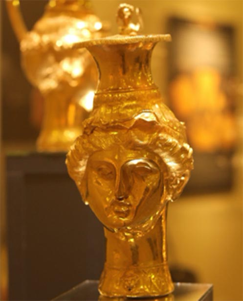 A rhytonized pitcher in the form of a women's head from Panagyurishte Treasure. (stanimir.stoyanov / CC BY-NC 2.0)