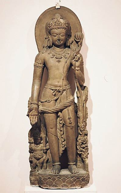 Sculpture of Khasarpana Lokesvara from Nalanda. Monument, India (Hyougushi / CC BY-SA 2.0)