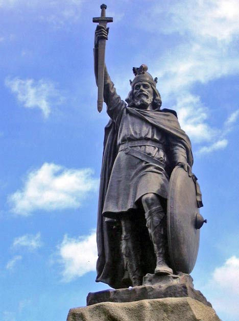 A statue of Alfred the Great at Winchester; he is considered one of the great English kings.