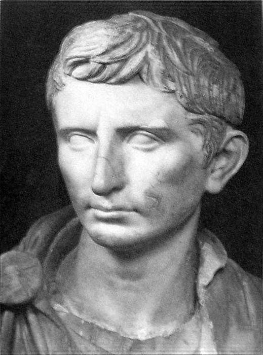 A statue of Augustus as a younger Octavian, dated ca. 30 BC.