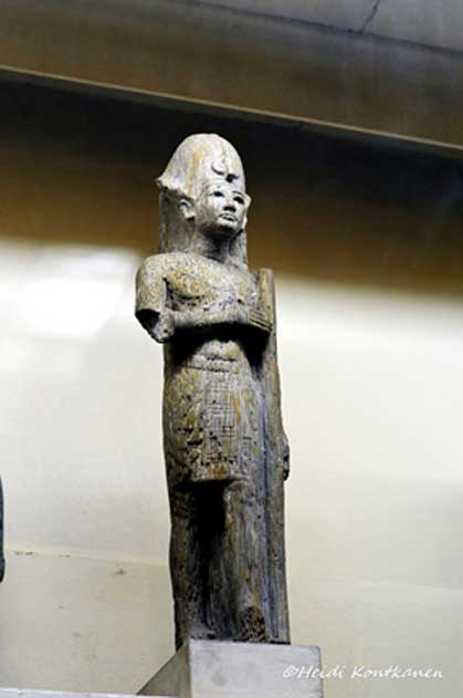 A statuette of Horemheb shows the King holding a pillar that is decorated with inscriptions, notably his coronation name. Horemheb launched the destruction of all vestiges of the Amarna interlude; and was particularly harsh with the memory of Akhenaten, Aye and Ankhesenamun. Egyptian Museum, Cairo.