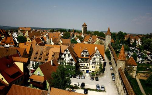 Rothenburg city as seen from the top of the Roeder tower (CC BY-SA 3.0)