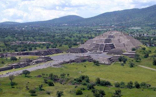 View of the Pyramid of the Sun. (Public Domain)
