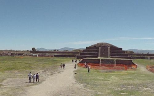 The Ciudadela, on the opposite side from the Pyramid of the Moon. (CC BY-SA 3.0)