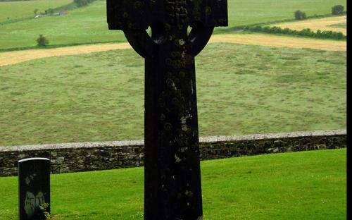 Irish High Cross at the Rock of Cashel (CC BY-SA 3.0)