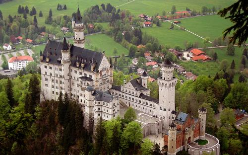 The Neuschwanstein castle. (CC BY 2.0)