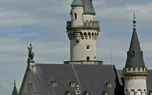 Neuschwanstein's Castle. View from Marienbrücke. (CC BY-SA 3.0)