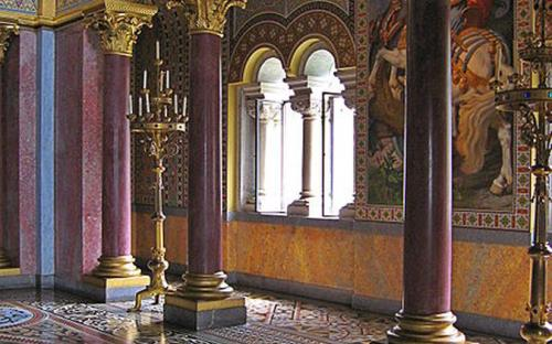 Throne Hall. (CC BY-SA 3.0)