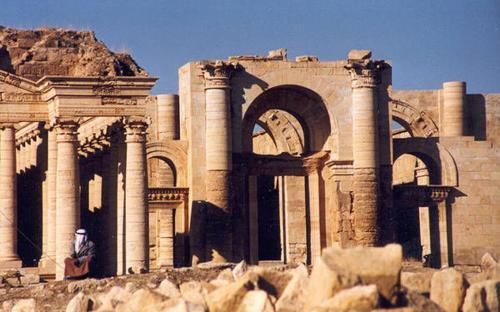 The ruins of Hatra circa 1988 (Public Domain)
