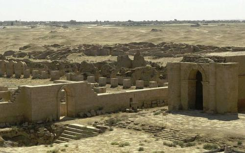 Remains of several temples and ancient walls (2004) (Public Domain)