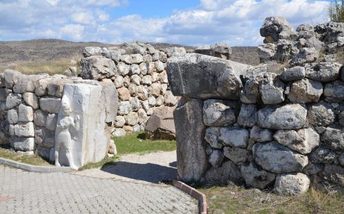 Hattusa, the capital of the Hittite Empire in the late Bronze Age (CC BY-SA 2.0)